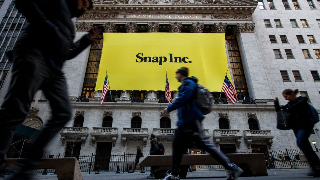 Here's What Entrepreneurs Can Learn From Snapchat's Successes and Failures