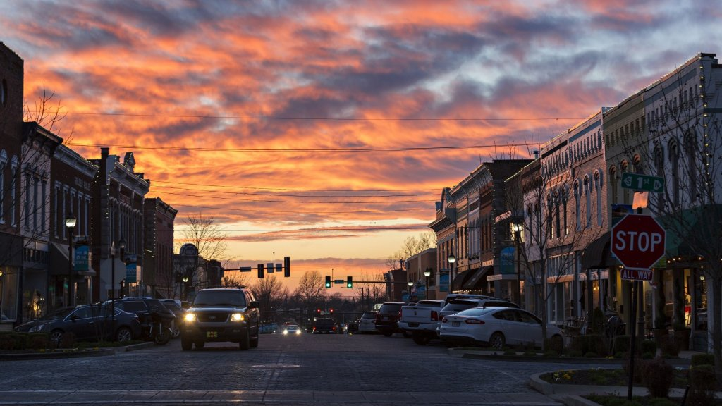 Small-Town Entrepreneurs Need Big City Broadband
