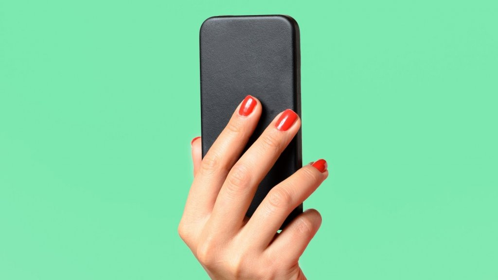 4 Incredibly Weird Smartphone Apps That Will Make You Question Reality