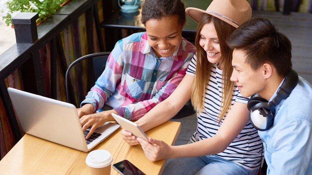 3 Ways to Reach Generation Z This Holiday Season