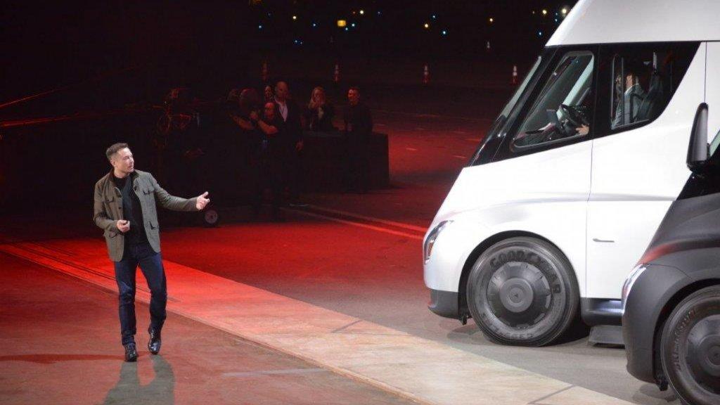 Elon Musk Unveils New Tesla Roadster and Semi Truck   Inc.com