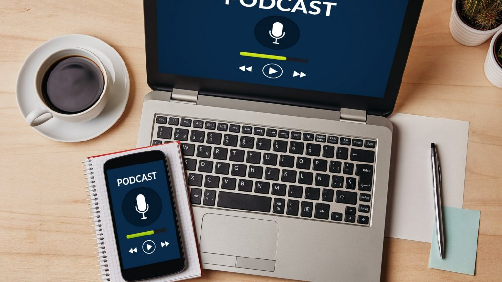 5 Podcasts That Will Make You a Better Marketer