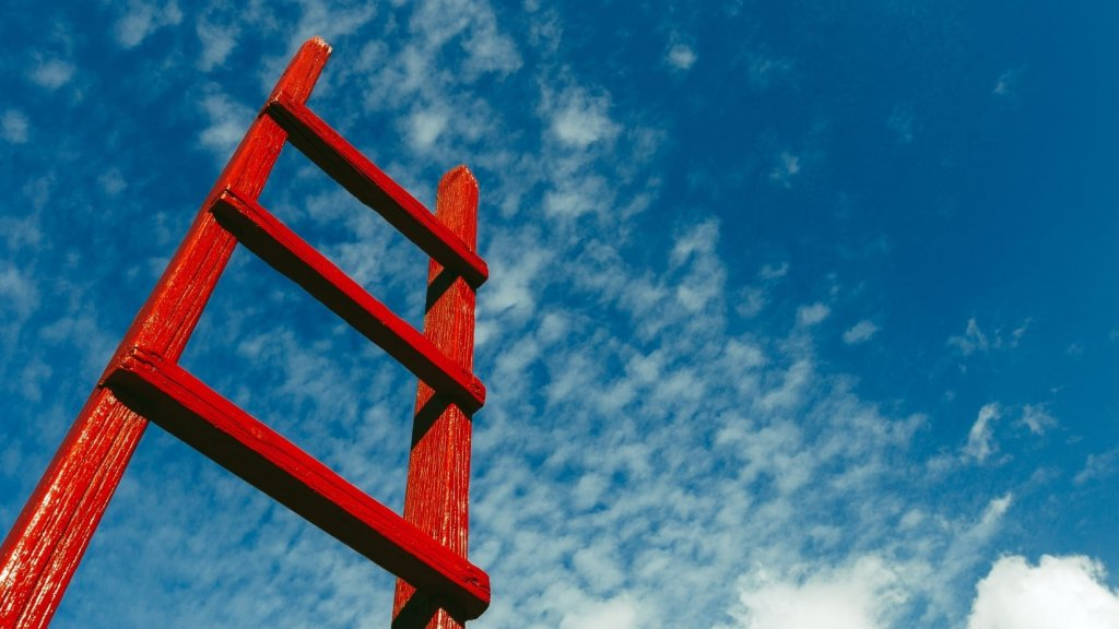 3 Clear Signs You're Excelling in Your Career