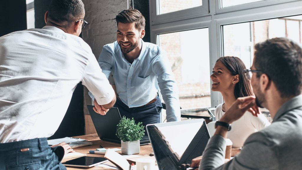 8 Small Habits That Will Make You a More Effective Networker