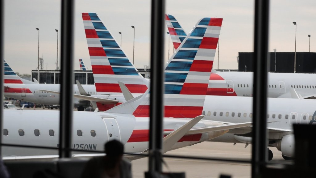 American Airlines Pilots Say They're Seeing 'The Beginning Tremors' Caused by the Trump Shutdown