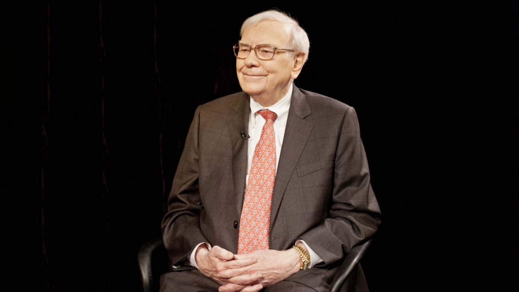 Warren Buffett's Best Career Advice on Where You Should Go to Work Is Priceless