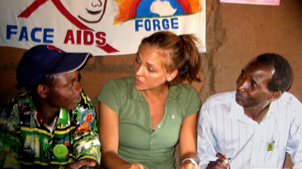 <strong>Doing Good, Doing Well</strong> Kjerstin Erickson, center, with AIDS prevention coordinators in Zambia --