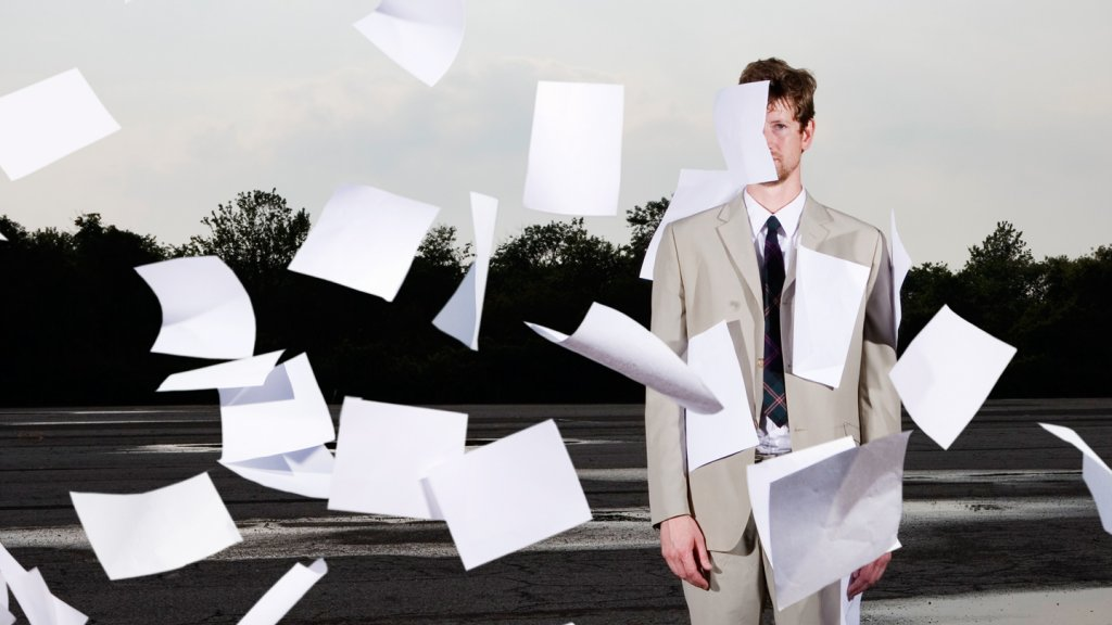 7 Secrets to Speed Through a Pile of Resumes