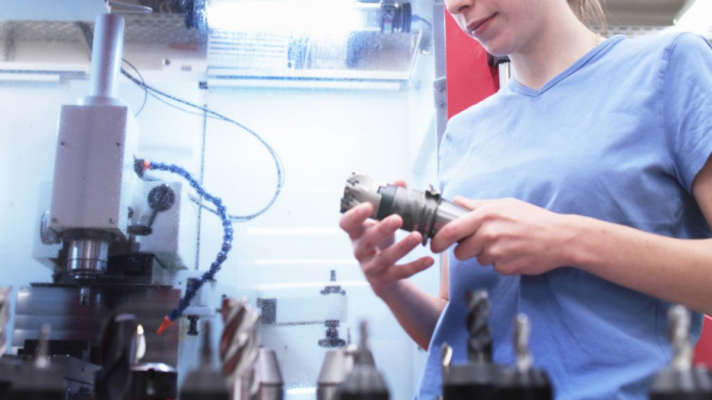 Why Women Are Ditching the Engineering Industry in Droves
