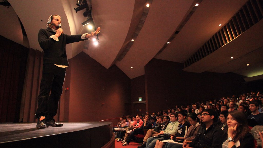 9 Ways to Make a Lasting Impression at Your First Conference