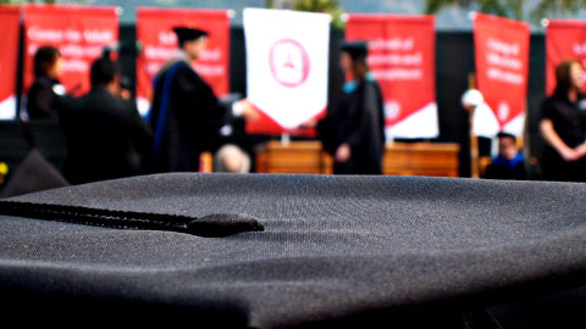 7 Memorable Graduation Speeches by Entrepreneurs and Other Leaders