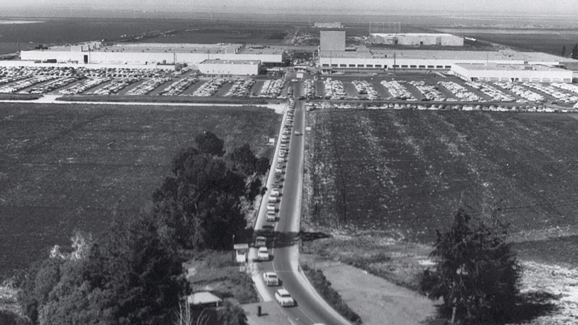 <b>Silicon Valley, Pre-Silicon</b> The Valley emerged during the Cold War, when this Lockheed plant began building ballistic missiles.