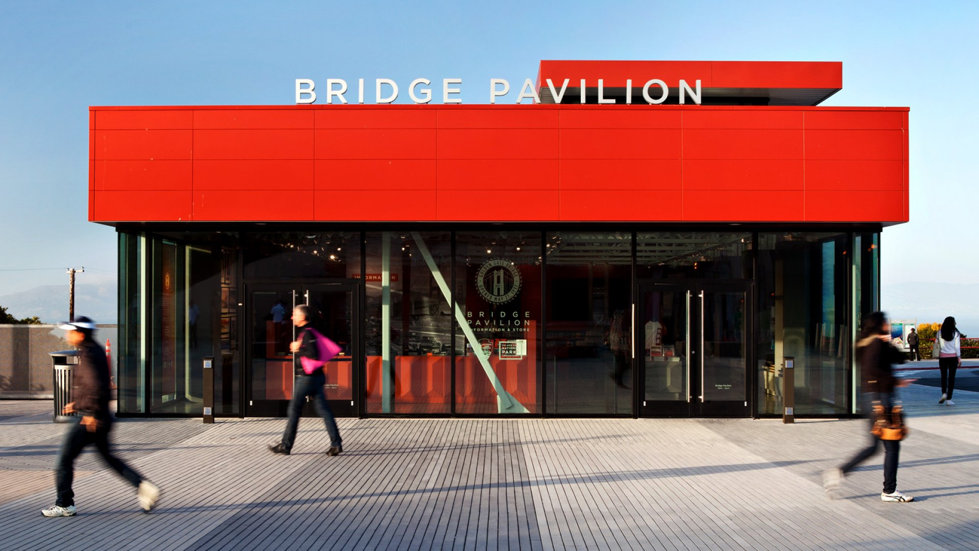 <b>HIP TO BE SQUARE</b><br> A Project Frog building welcomes visitors to San Francisco's Golden Gate Bridge.