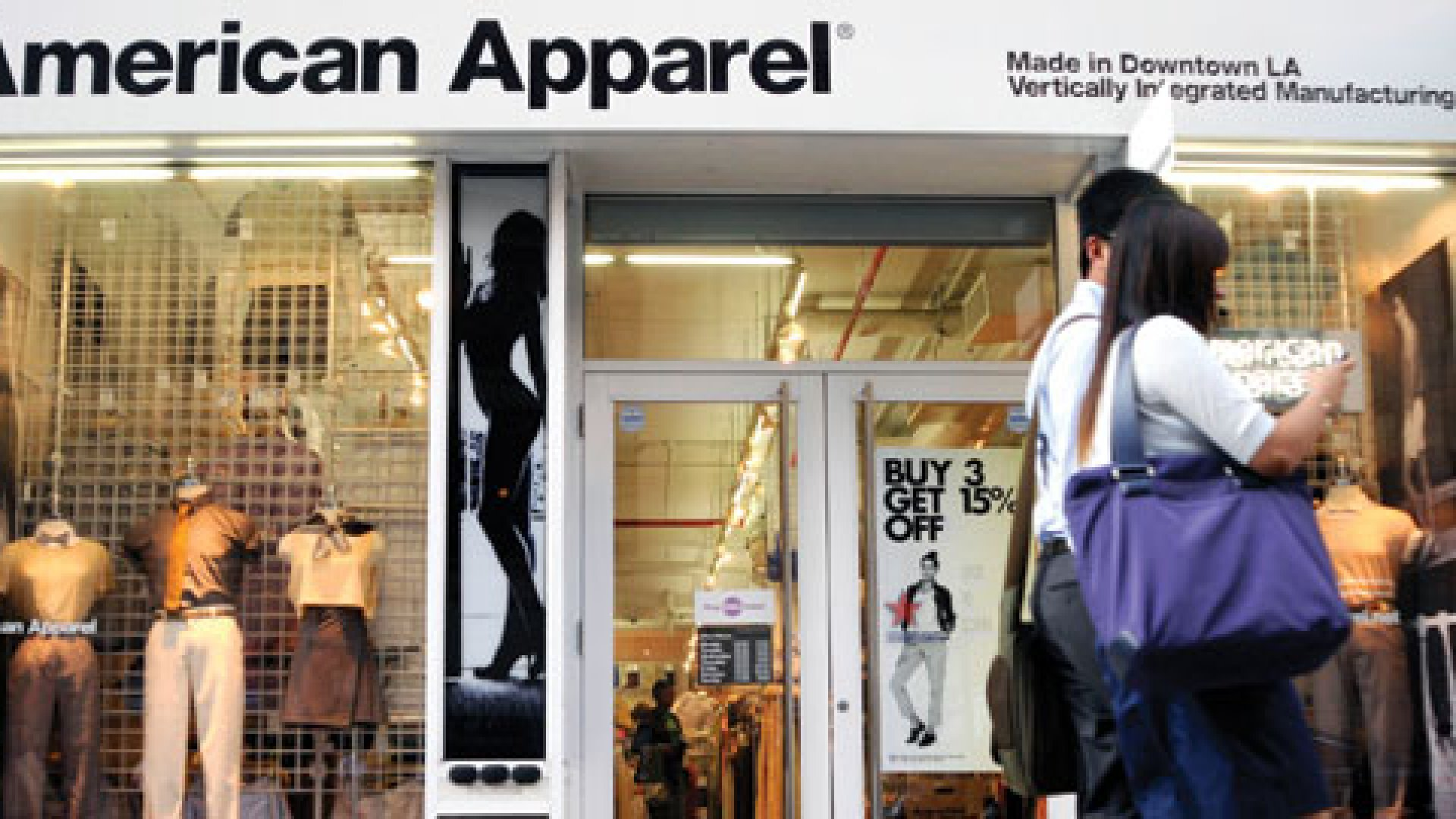 American Apparel Again Warns It Could Go Bankrupt