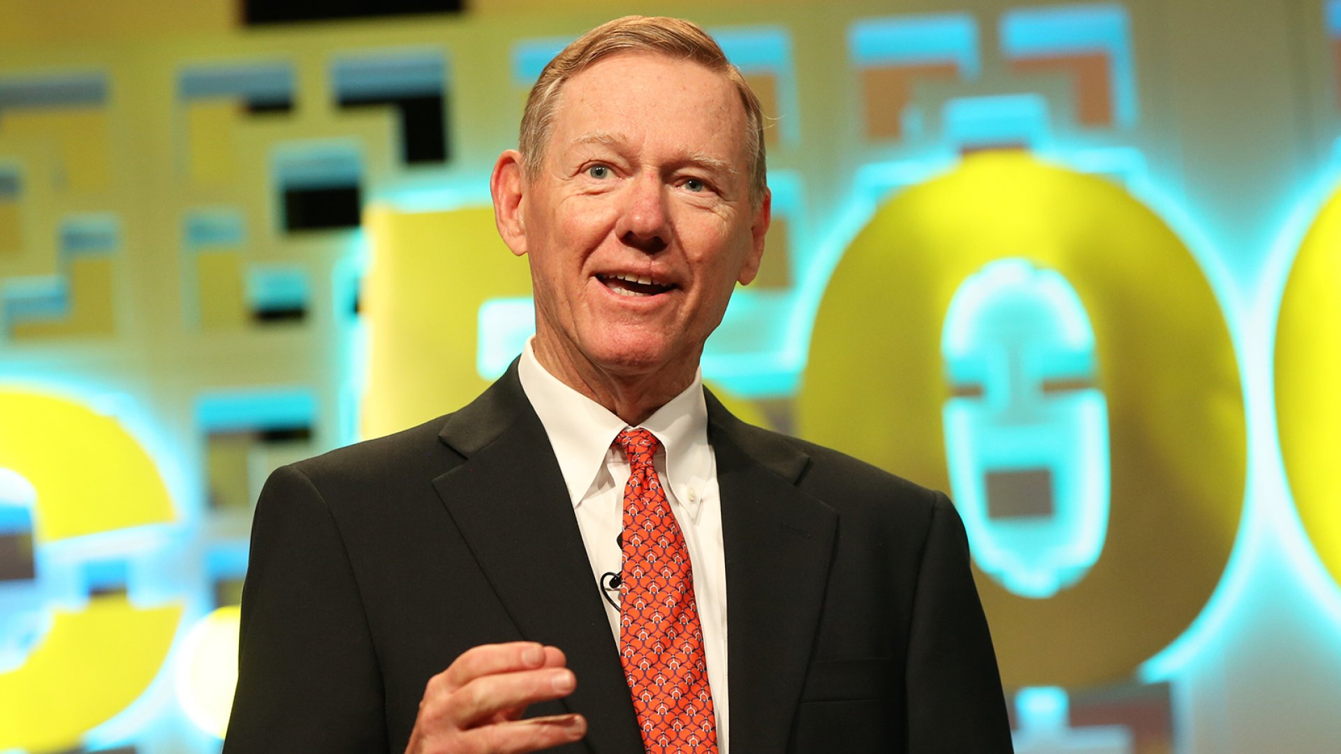 Former Ford CEO Alan Mulally speaking at the Inc. 5000 Conference.