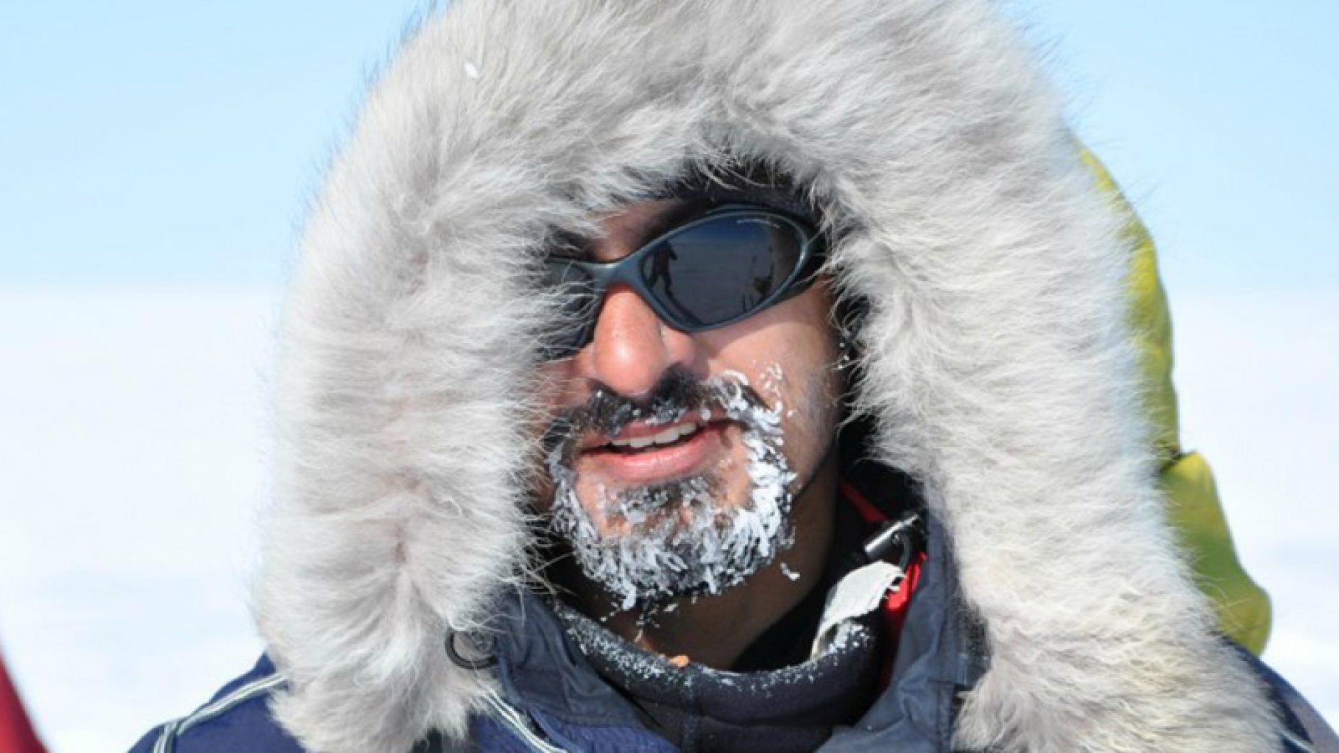 Akshay Nanavati skiing across Greenland