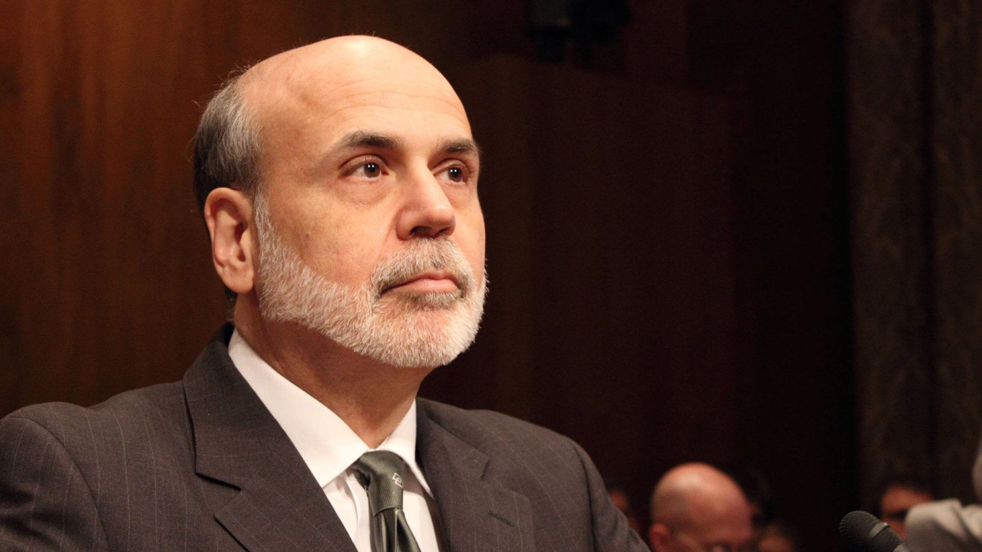 Fed Chief Offers Sobering Economic Forecast
