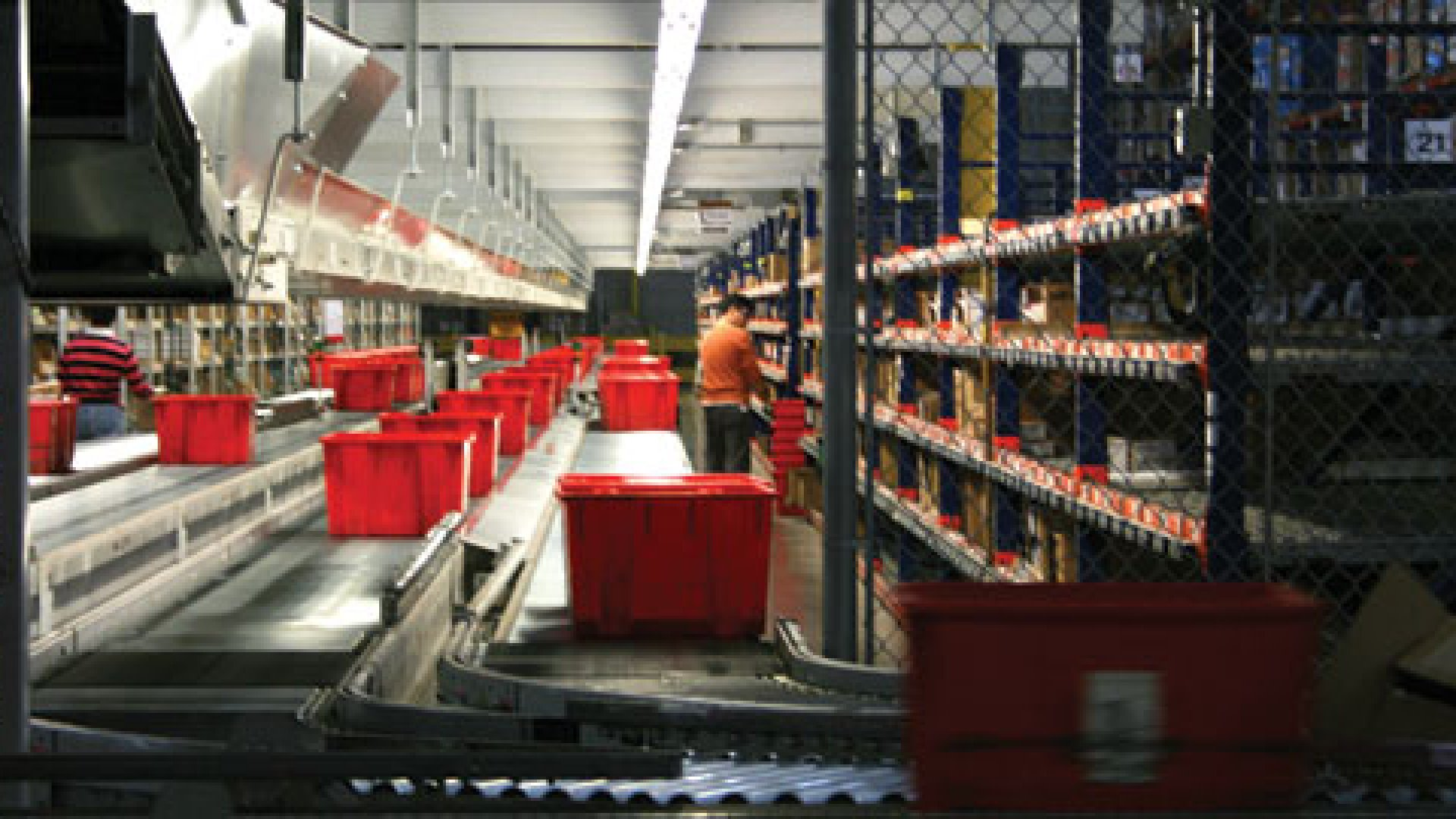 <b>EGG CRATES:</b> The online retailer Newegg.com hopes to keep its New Jersey distribution center humming all month long, not just on Cyber Monday.