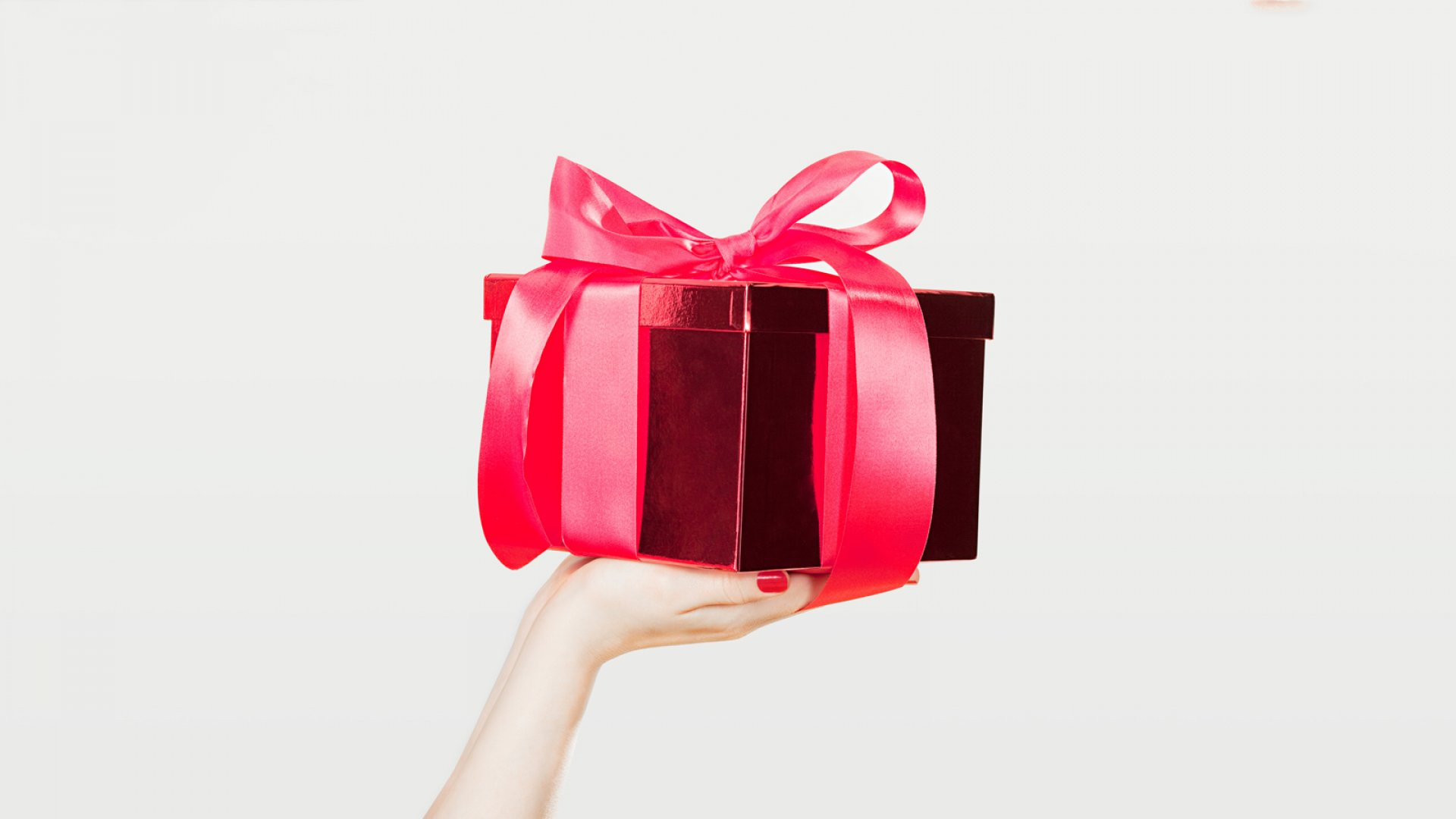 Forget the Individual Trinkets. Here Are 7 Holiday Gifts to Reward Your Entire Team