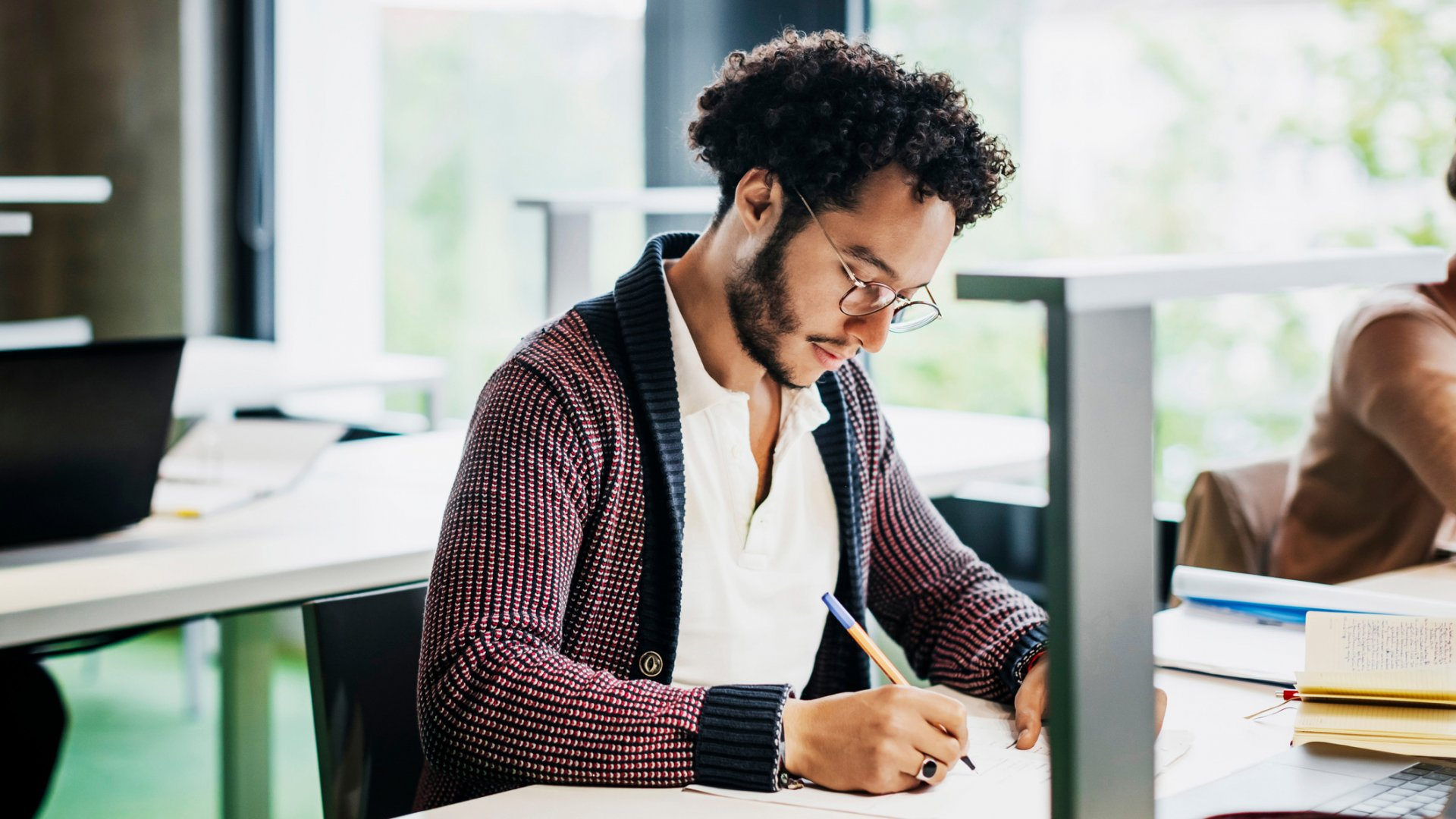 6 Reasons to Stay in School While Learning to Be an Entrepreneur