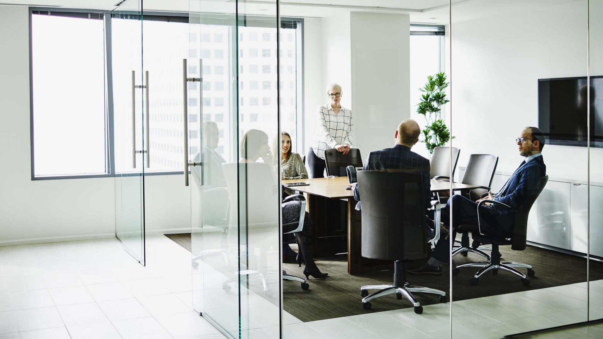 How to Successfully Establish a Board of Advisers and Directors