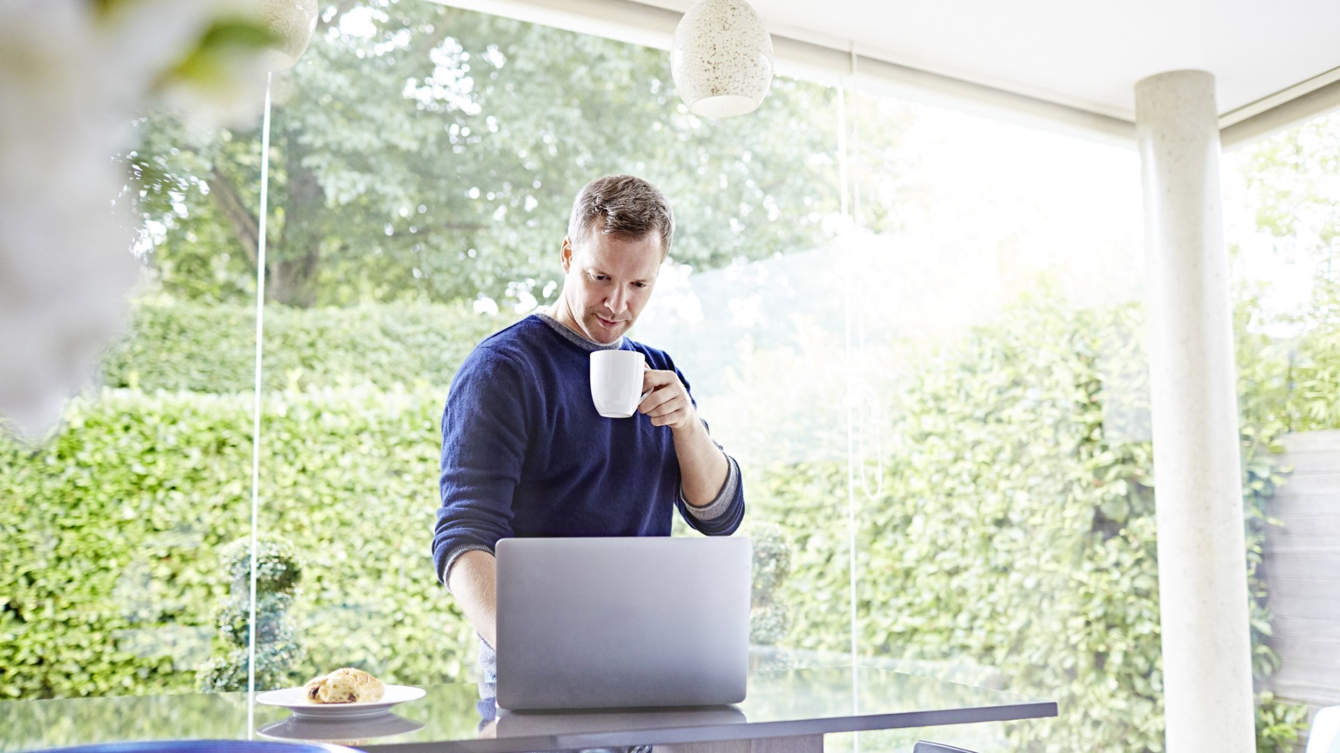 4 Simple Leadership Tips to Boost Your Productivity While Working From Home