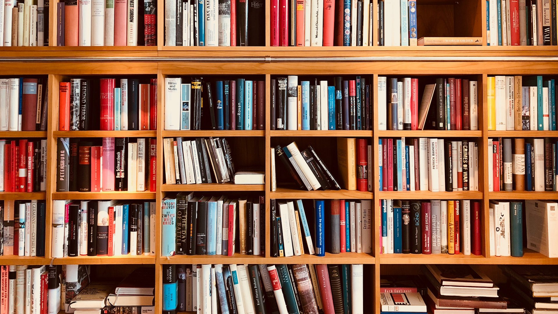 New Research Reveals the Power of a Large Home Library (Even If You Don't Read Every Book)
