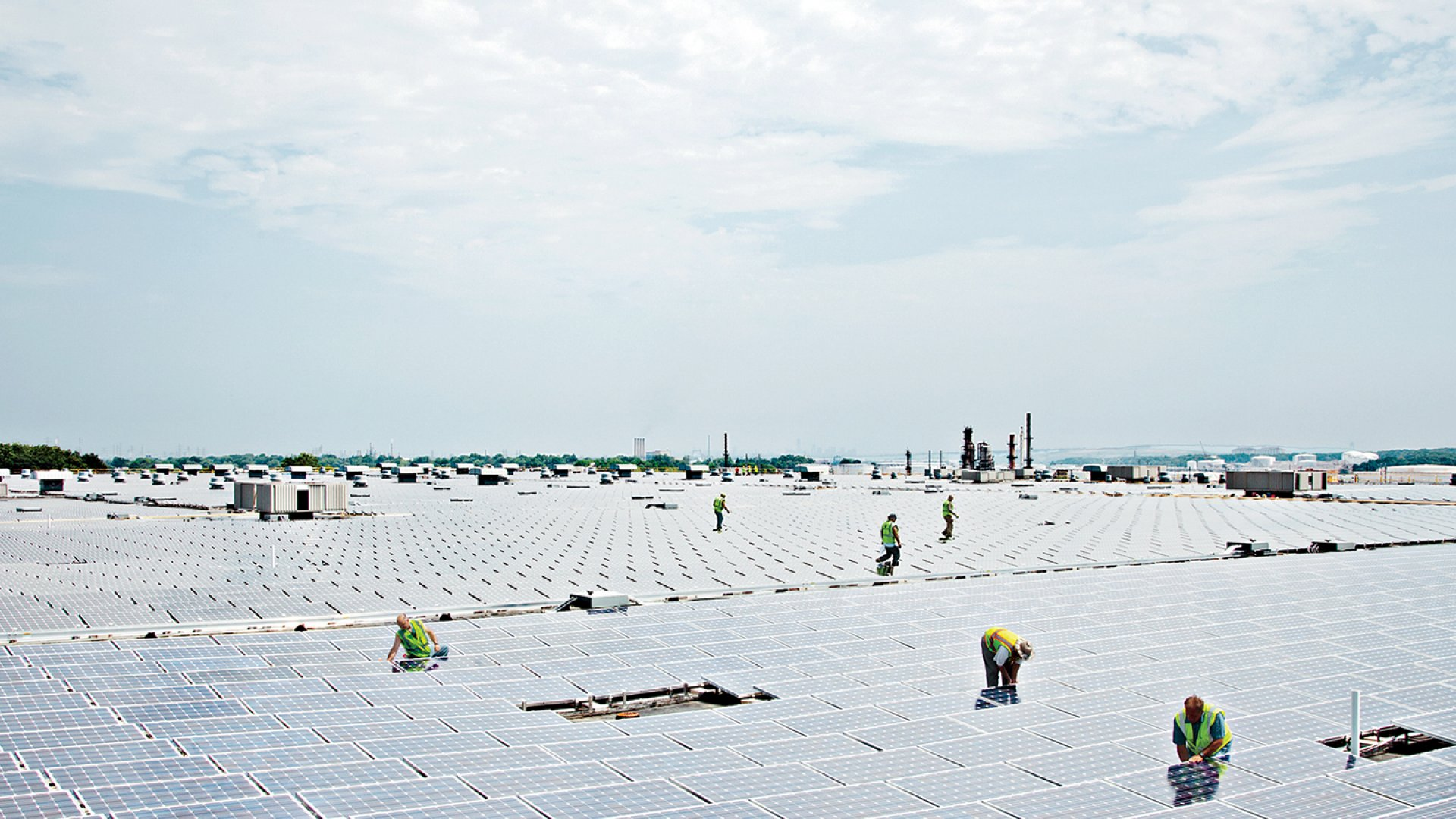 <strong>Sunny outlook</strong> Vanguard Energy Partners is among the Inc. 500 companies bold enough to have opened for business in 2008. The company (No. 212 on the list) is installing this million-square-foot solar array atop a warehouse in New Jersey.