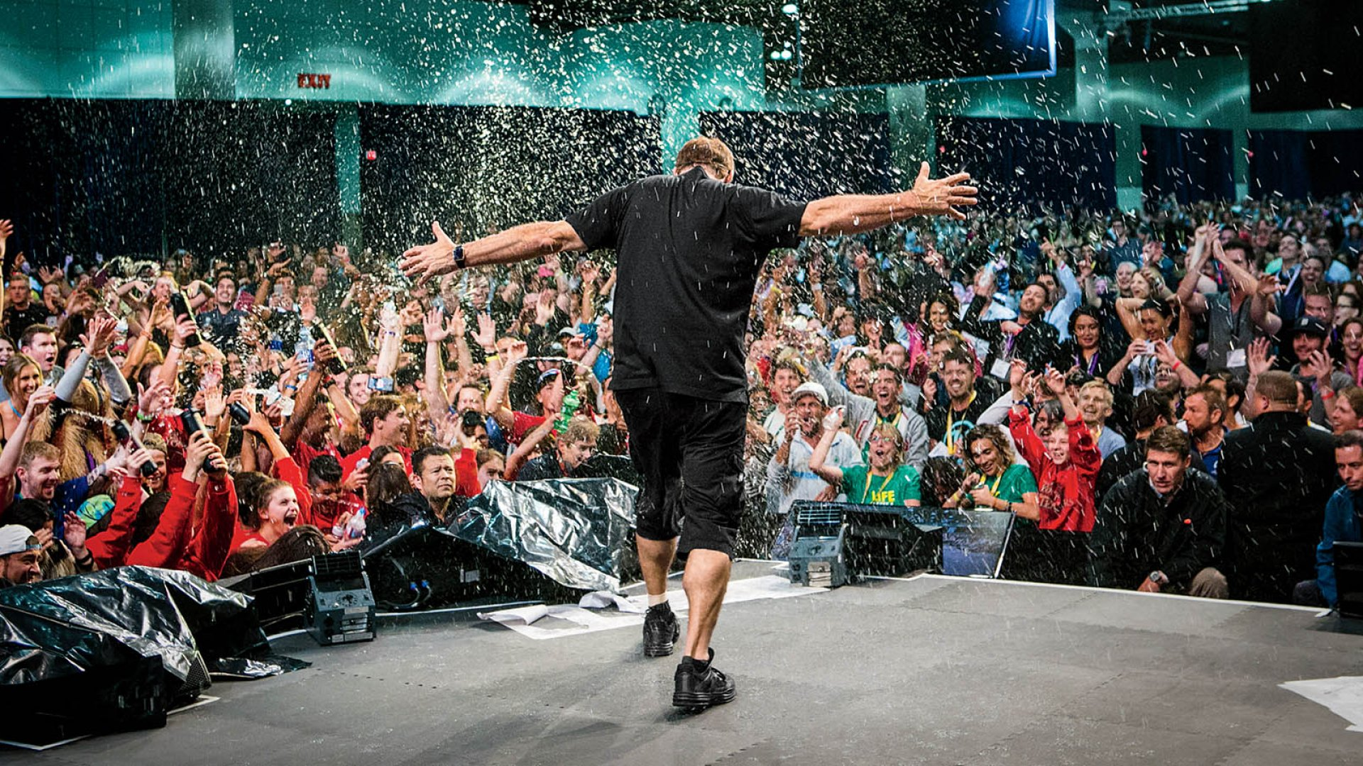 """Tony Robbins leading a three-day """"Unleash the Power Within"""" seminar earlier this year at the Los Angeles Convention Center."""
