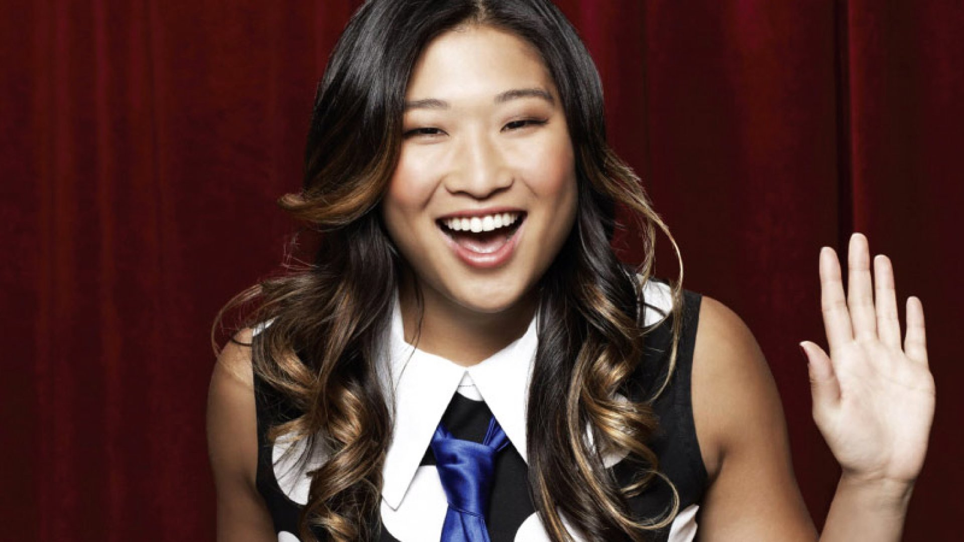 'Glee' Star Jenna Ushkowitz Shares 12 Things Millennials Can Do to Make Their Life Amazing