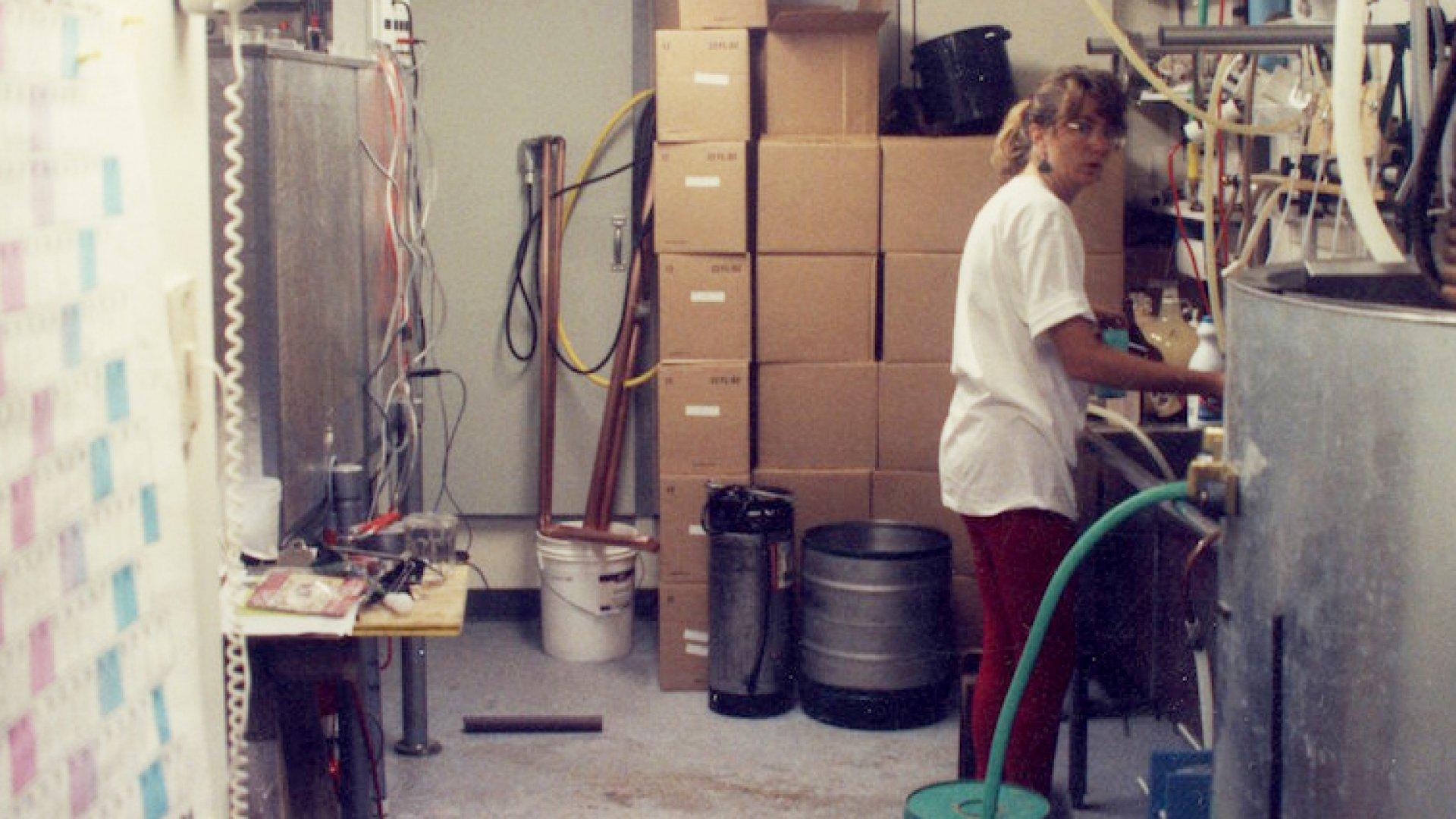 Kim Jordan bottles beer in 1991.