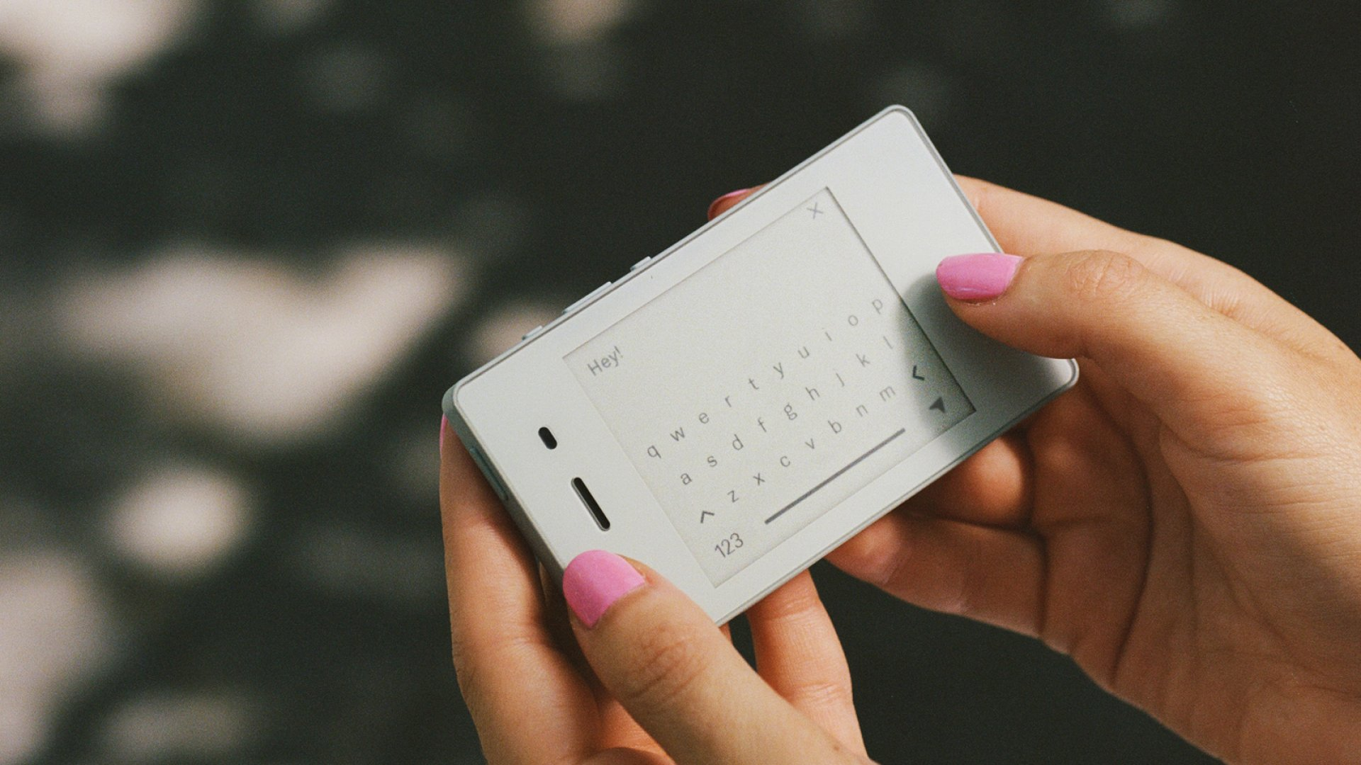 Forget the iPhone 11. Here's What Spending Days With Just This Tiny 'Dumb' Phone Was Like