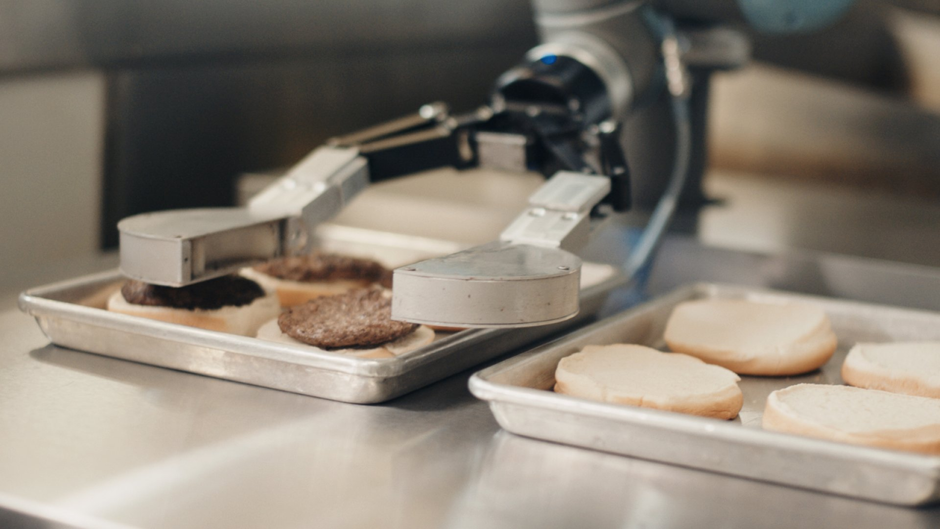 This Robot Can Cook the Perfect Burger. Should America's 2.3 Million Cooks Be Worried?