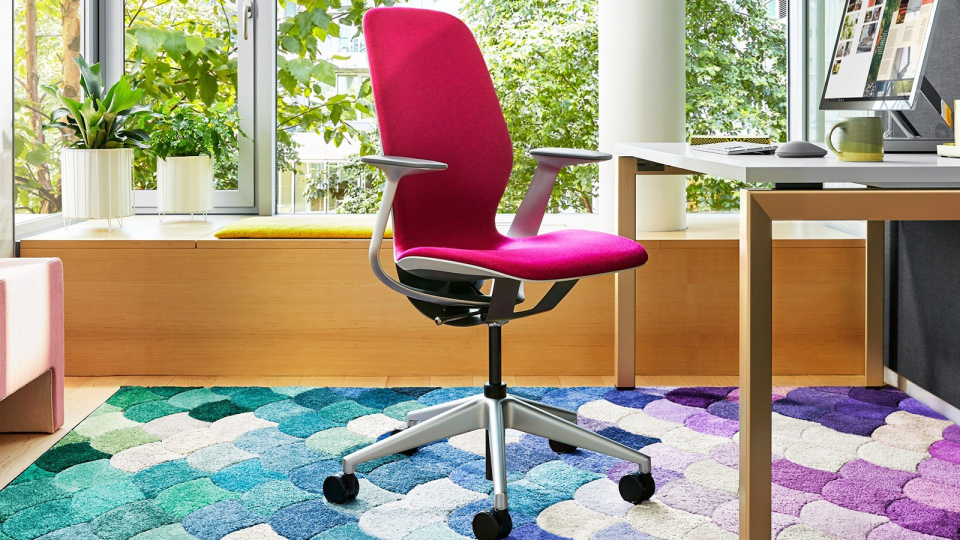 This Steelcase chair will make you super productive at your desk and using an iPad.