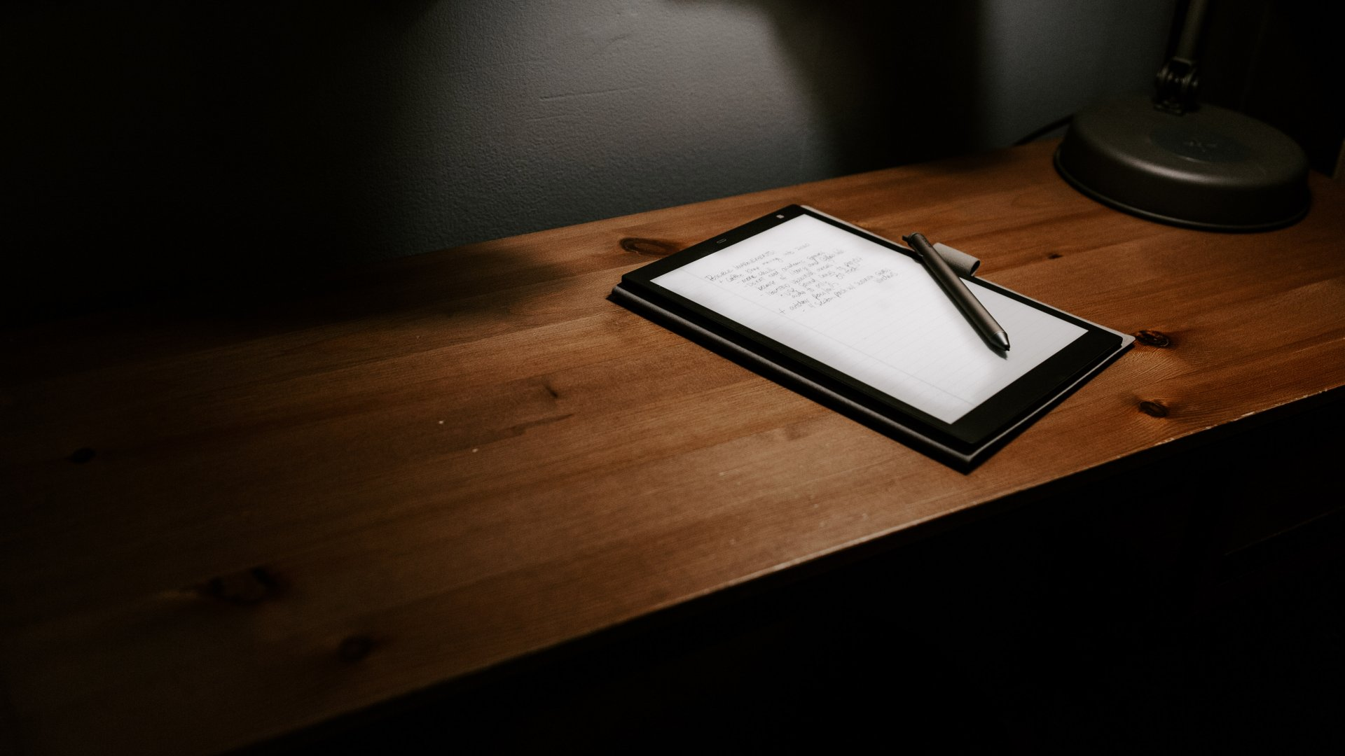 The Sony Digital Paper CP1 digital notepad is a smart note-taker.