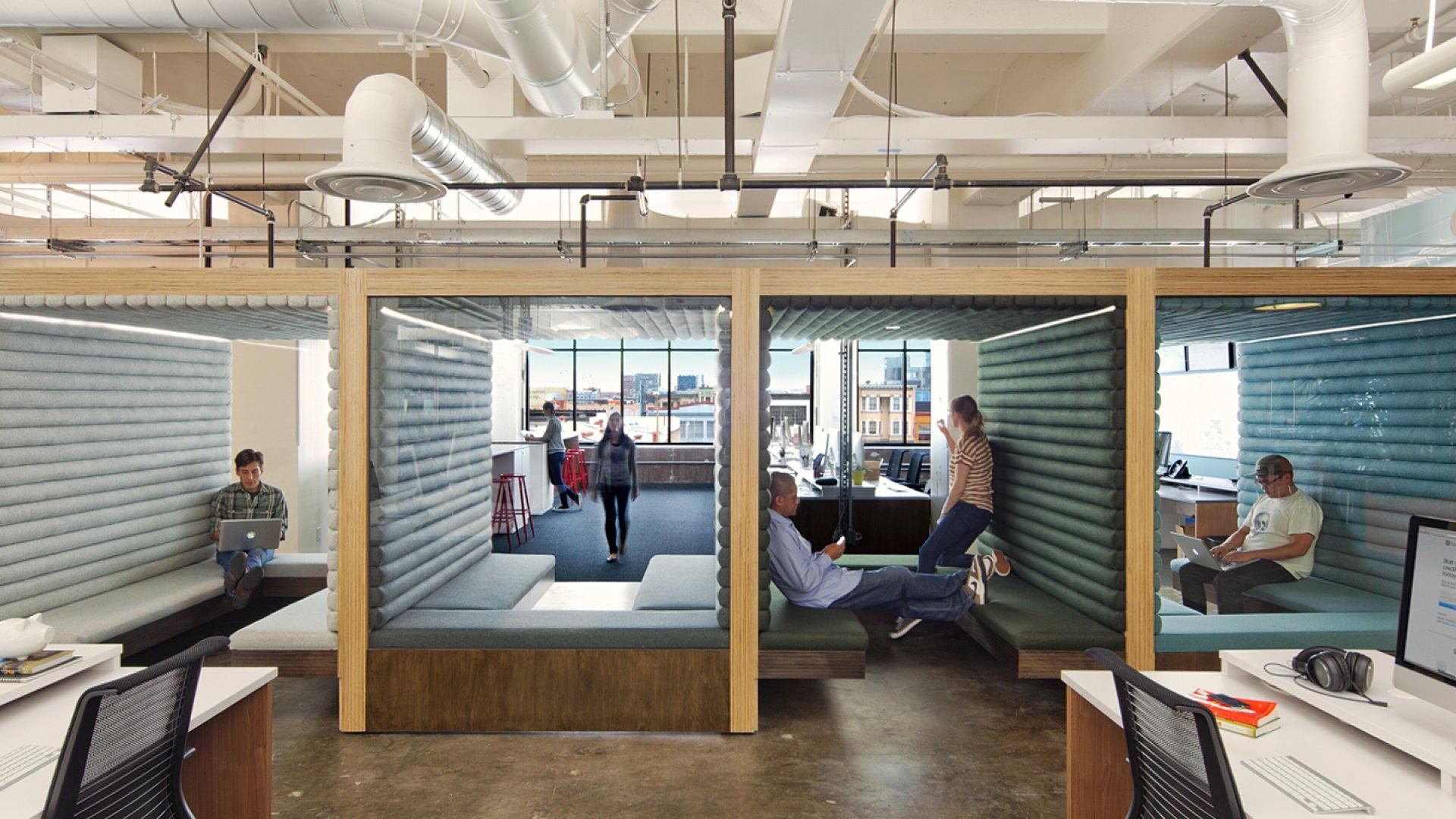 Inside the Latest Office-Design Craze: Hot Desking