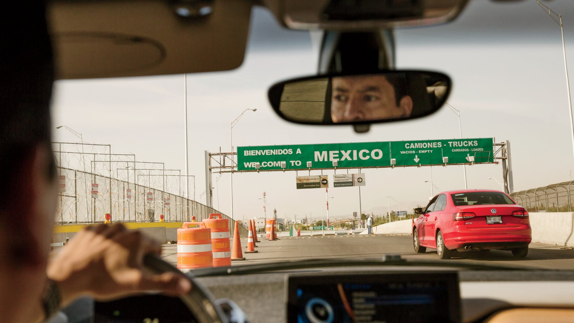 Ricardo Mora behind the wheel and entering Mexico, as he does everyday.