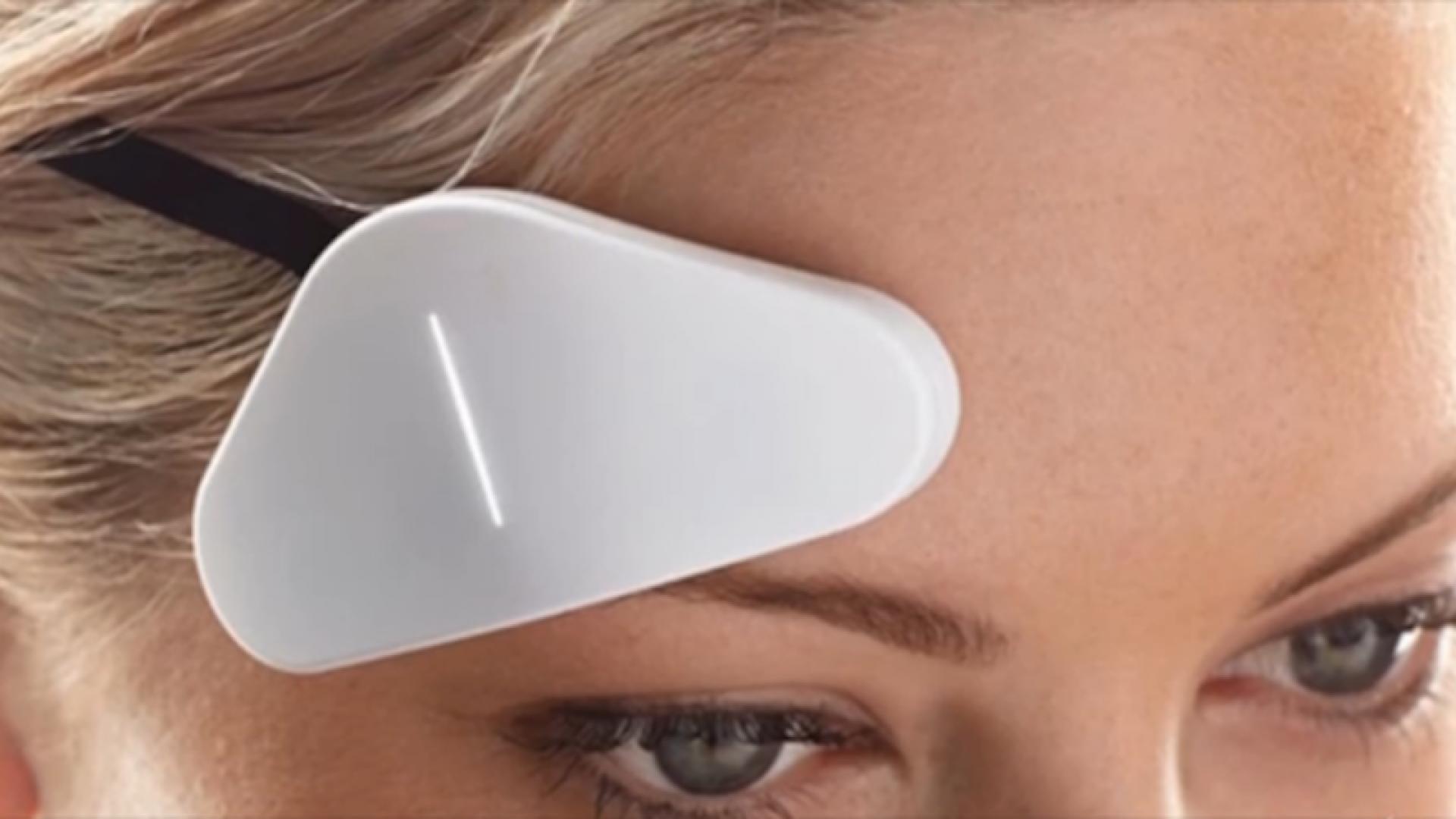 Thync's wearable headband device.