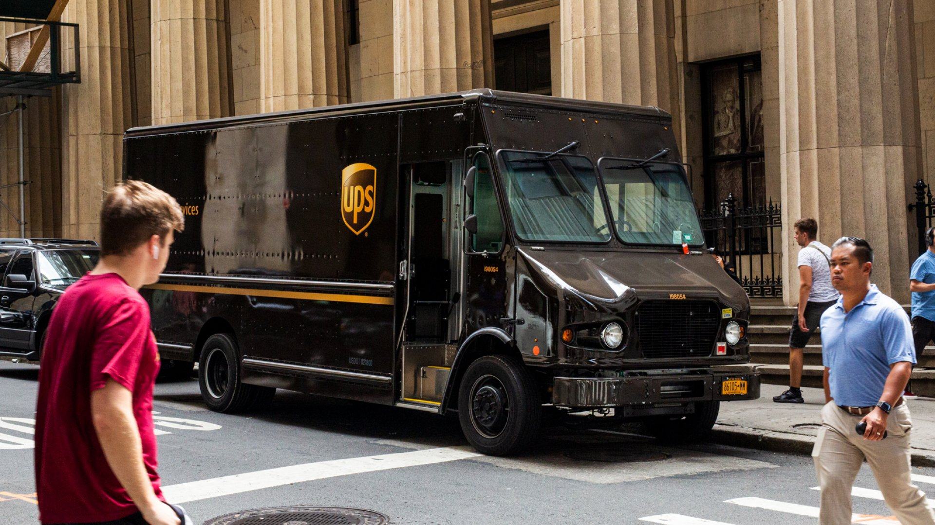 Target, UPS, and Amazon Just Started Massive Holiday Hiring (Your Business Should Start Too)