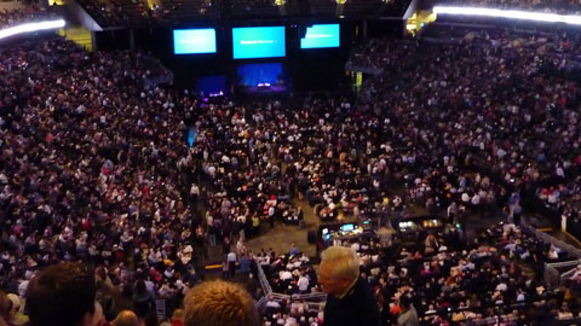 Crowds of shareholders gather for the Berkshire Hathaway annual meeting.