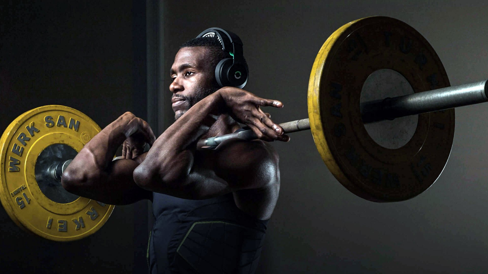 This Halo Sport headphone helps athletes train 50 percent faster, and they only have to use it for 20 minutes.