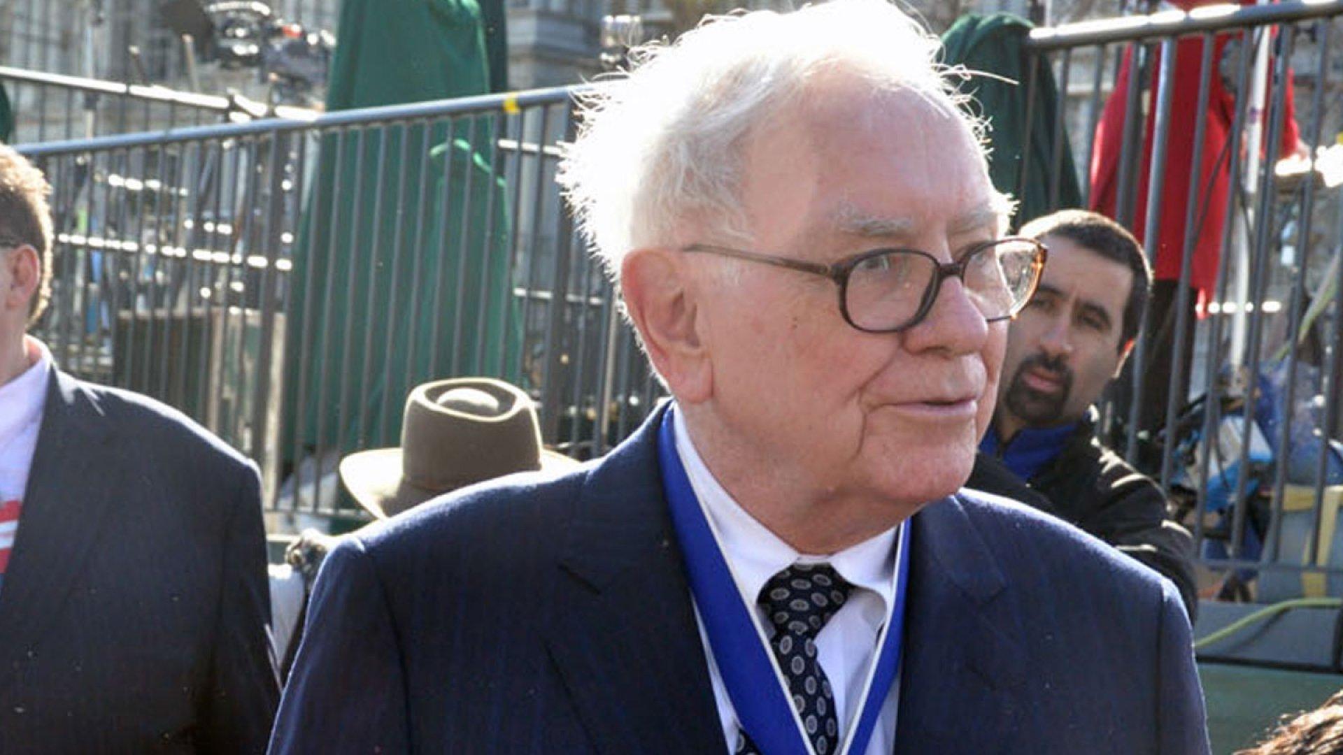 Buffett Awards Stock to Young Entrepreneurs