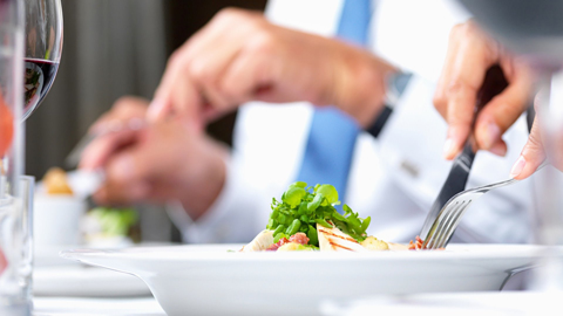 5 Reasons to Schedule More Business Lunches