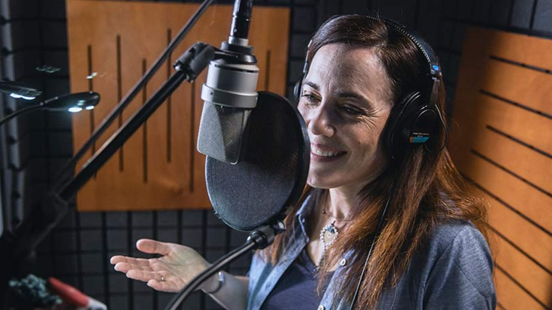 How a Professional Voiceover Actress Grew Her Passion Into a Full-Time Microbusiness