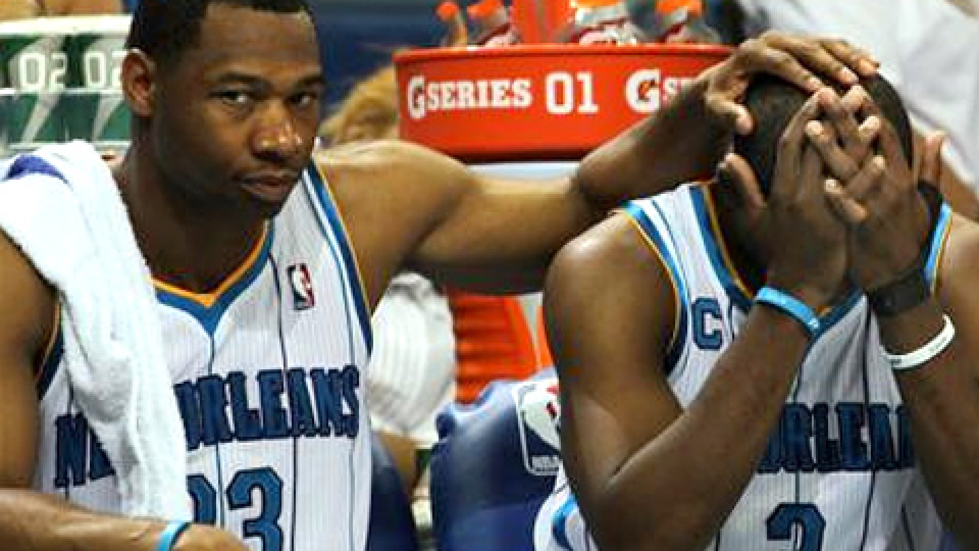 Willie Green #33 (left) and Chris Paul #3 of the New Orleans Hornets