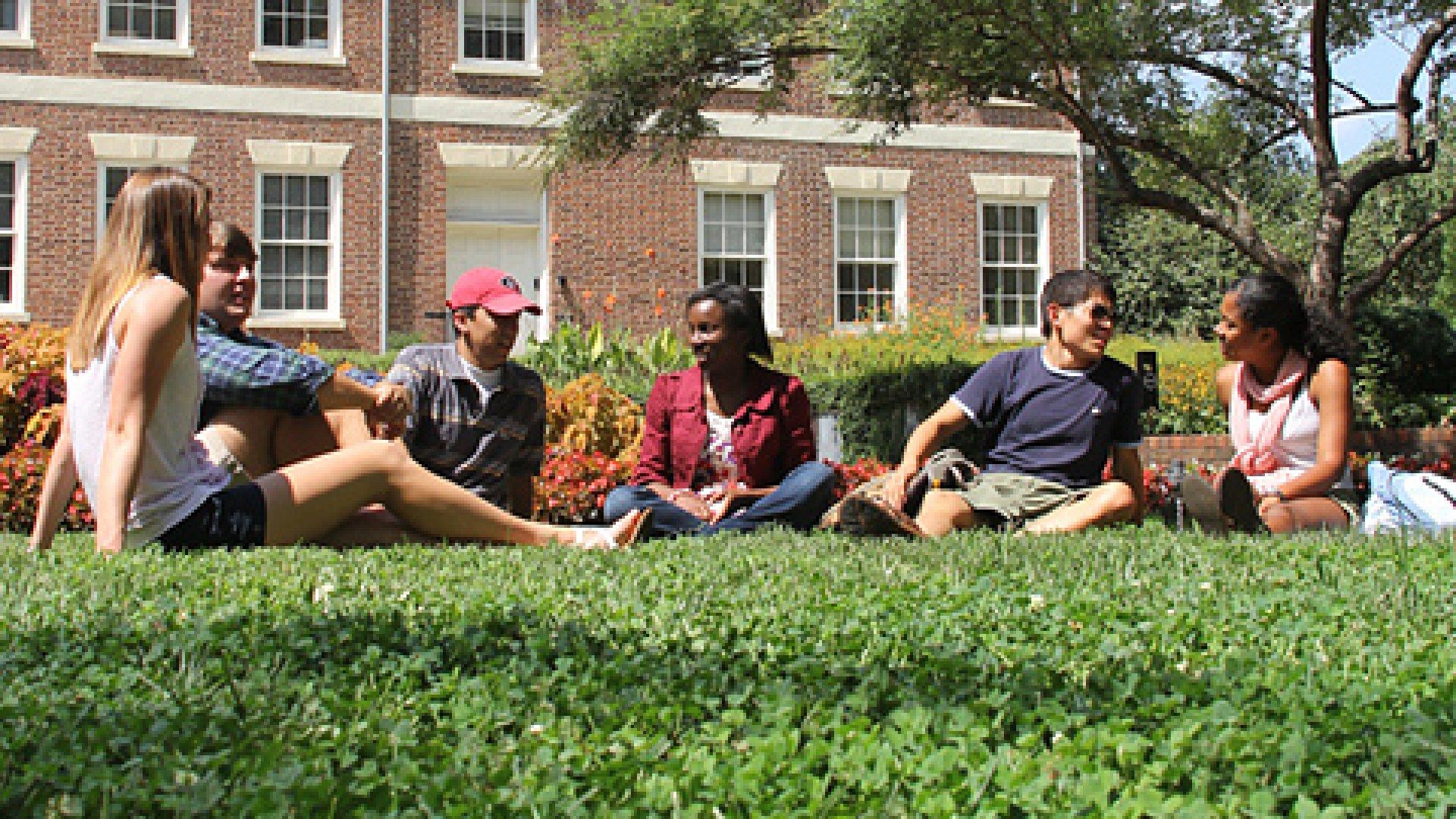 Students UGA campus
