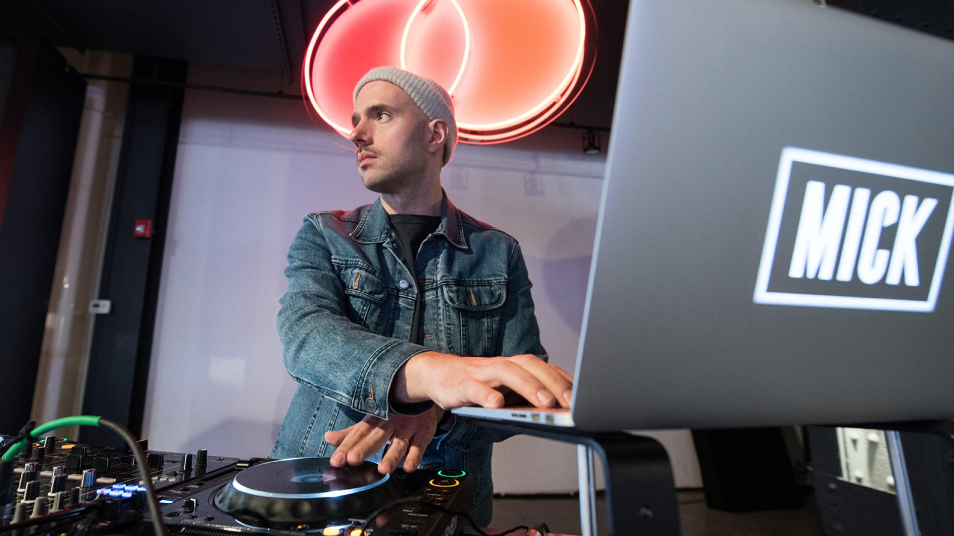Mick Batyske spins at a MasterCard sponsored event during the 2018 Grammy Weekend.