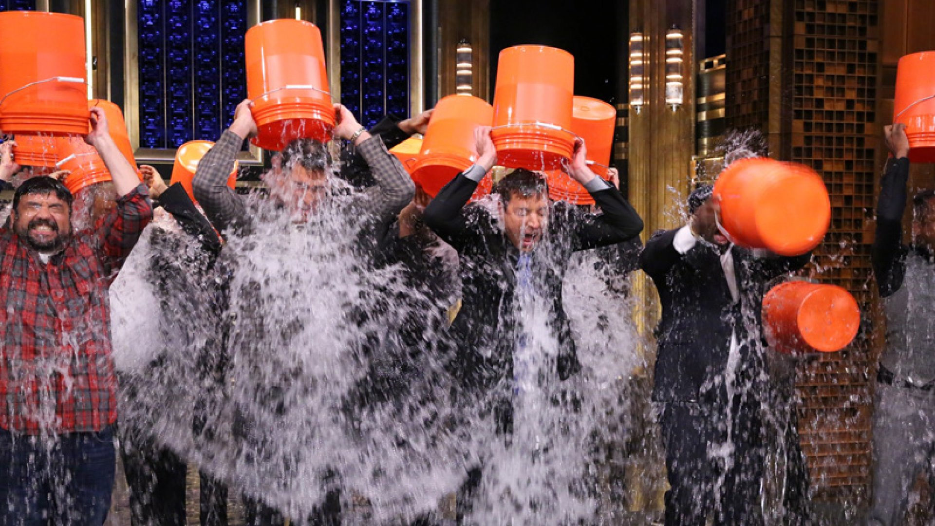 8 Game-Changing Marketing Lessons From the ALS 'Ice Bucket Challenge'