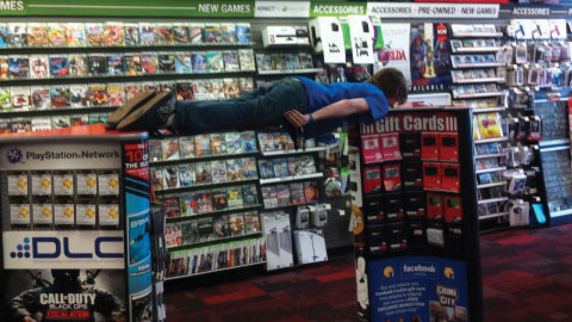 """<strong>PLANKING AROUND</strong> John Mazzocchi says, """"When I go #planking I go hardcore."""""""