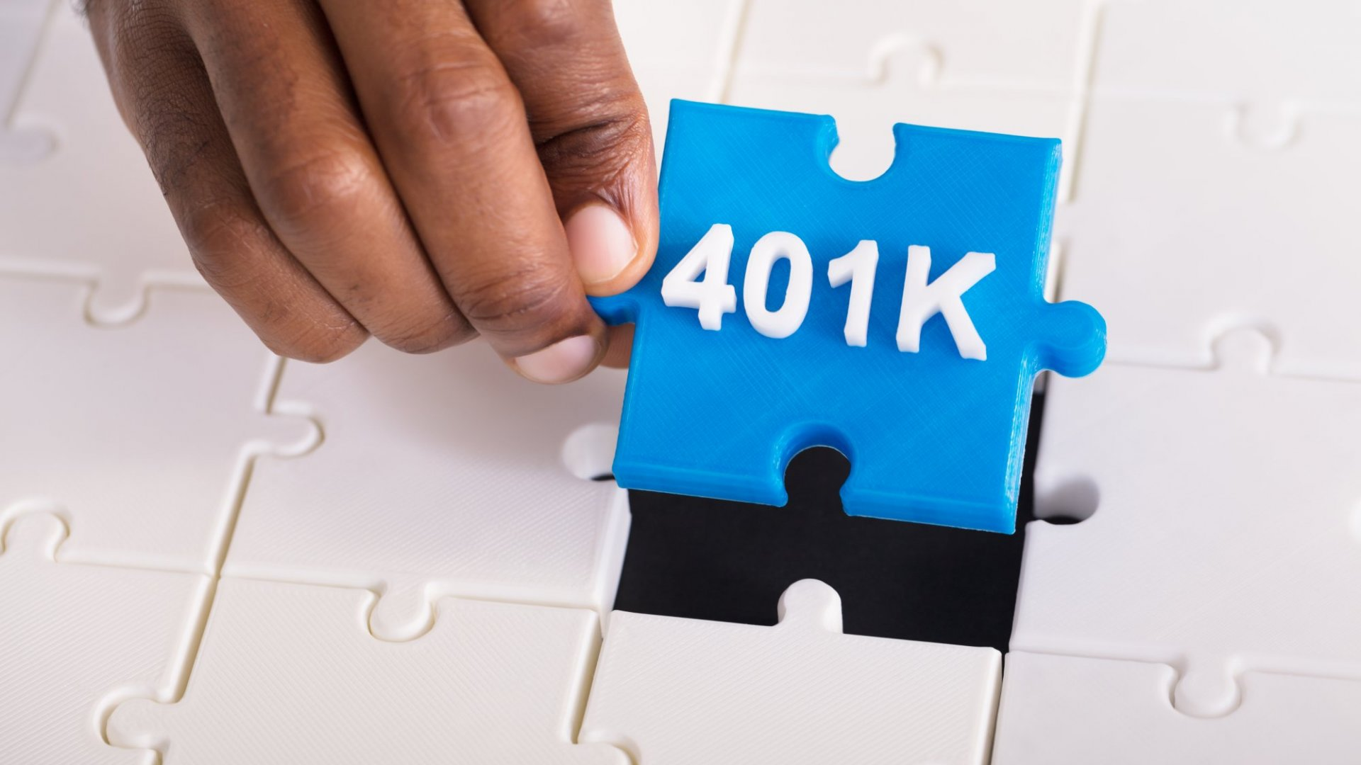 3 Benefits of Offering a 401(k) Plan as a Small Business (and How to Do It)